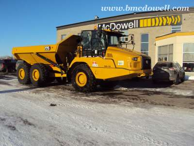 Caterpillar Articulated Rock Truck -  725